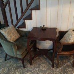Отель The Bhuthorn Bed and Breakfast удобства в номере