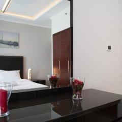 Отель HiGuests Vacation Homes - Burj Views Дубай сейф в номере