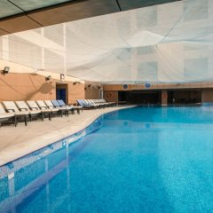 Mercure Dubai Barsha Heights Hotel Suites бассейн