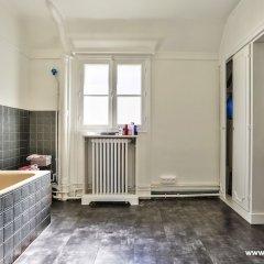 Апартаменты Cozy Apartment next to Eiffel Tower ванная