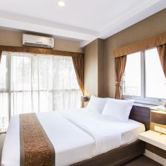 Отель Green Bells Residence New Petchburi Бангкок комната для гостей