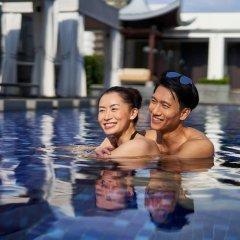 Отель Singapore Marriott Tang Plaza Hotel Сингапур, Сингапур - отзывы, цены и фото номеров - забронировать отель Singapore Marriott Tang Plaza Hotel онлайн бассейн фото 3