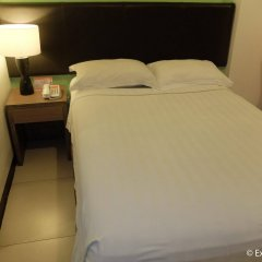 Отель Apollonia Royale Hotel Филиппины, Пампанга - отзывы, цены и фото номеров - забронировать отель Apollonia Royale Hotel онлайн комната для гостей фото 4