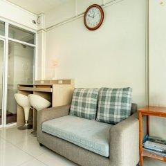 Отель Riski residence Bangkok-noi Таиланд, Бангкок - 1 отзыв об отеле, цены и фото номеров - забронировать отель Riski residence Bangkok-noi онлайн балкон