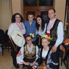 Отель Meteor Family Hotel Болгария, Чепеларе - отзывы, цены и фото номеров - забронировать отель Meteor Family Hotel онлайн интерьер отеля фото 2