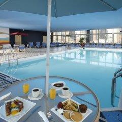 Отель Skyline Hotel США, Нью-Йорк - отзывы, цены и фото номеров - забронировать отель Skyline Hotel онлайн бассейн фото 3