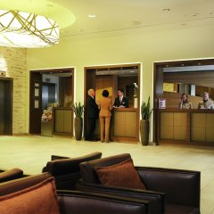 Отель Ramada Hotel Berlin-Alexanderplatz Германия, Берлин - 1 отзыв об отеле, цены и фото номеров - забронировать отель Ramada Hotel Berlin-Alexanderplatz онлайн интерьер отеля фото 3