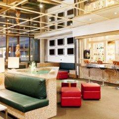 Отель Holiday Inn Lisbon Continental гостиничный бар фото 3