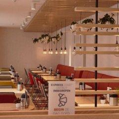 Отель Holiday Inn Express Amsterdam - City Hall Нидерланды, Амстердам - 2 отзыва об отеле, цены и фото номеров - забронировать отель Holiday Inn Express Amsterdam - City Hall онлайн интерьер отеля