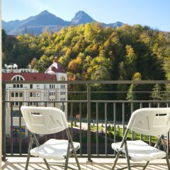 Гостиница AZIMUT Hotel FREESTYLE Rosa Khutor в Эсто-Садке - забронировать гостиницу AZIMUT Hotel FREESTYLE Rosa Khutor, цены и фото номеров Эсто-Садок балкон