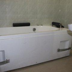 Отель Michelle Suites Нигерия, Калабар - отзывы, цены и фото номеров - забронировать отель Michelle Suites онлайн ванная