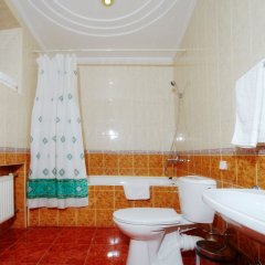 Гостиница Березка в Челябинске 8 отзывов об отеле, цены и фото номеров - забронировать гостиницу Березка онлайн Челябинск ванная фото 2