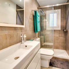 Отель Apartamento Vivalidays Es Blau Испания, Бланес - отзывы, цены и фото номеров - забронировать отель Apartamento Vivalidays Es Blau онлайн ванная фото 2