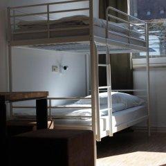 Отель Five Reasons Hotel & Hostel Германия, Нюрнберг - 1 отзыв об отеле, цены и фото номеров - забронировать отель Five Reasons Hotel & Hostel онлайн сейф в номере