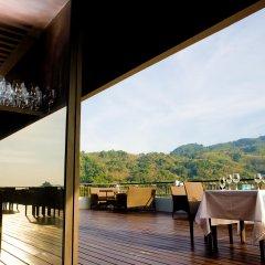 Отель Casa Del M Resort Phuket Патонг гостиничный бар