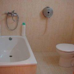 Отель Hostal Turis Alba Барселона ванная