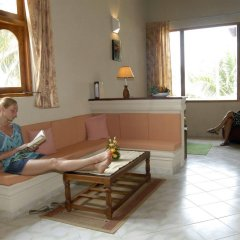 Отель Oasey Beach Hotel Шри-Ланка, Индурува - 2 отзыва об отеле, цены и фото номеров - забронировать отель Oasey Beach Hotel онлайн комната для гостей фото 2