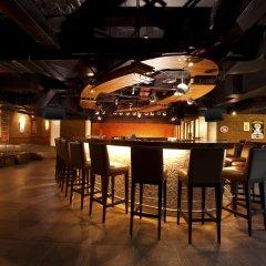 Отель Le Meridien Phuket Beach Resort гостиничный бар