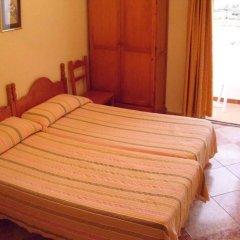 Отель Hostal Sonrisa del Mar Испания, Кониль-де-ла-Фронтера - отзывы, цены и фото номеров - забронировать отель Hostal Sonrisa del Mar онлайн комната для гостей фото 3