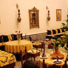 Отель Riad Lalla Zoubida Марокко, Фес - отзывы, цены и фото номеров - забронировать отель Riad Lalla Zoubida онлайн помещение для мероприятий
