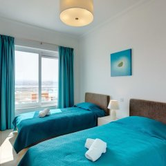 Отель Seafront LUX Apartment wt Pool, Upmarket Area Мальта, Слима - отзывы, цены и фото номеров - забронировать отель Seafront LUX Apartment wt Pool, Upmarket Area онлайн комната для гостей фото 4