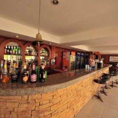 Отель Karon Cliff Bungalows Таиланд, Пхукет - 4 отзыва об отеле, цены и фото номеров - забронировать отель Karon Cliff Bungalows онлайн гостиничный бар