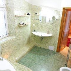 Отель Kamil Apartments Чехия, Карловы Вары - отзывы, цены и фото номеров - забронировать отель Kamil Apartments онлайн ванная