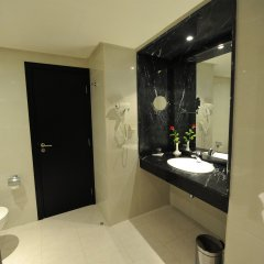 Отель Rive Hôtel Марокко, Рабат - отзывы, цены и фото номеров - забронировать отель Rive Hôtel онлайн ванная фото 2