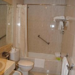 Отель Hostal Alemana Испания, Сан-Себастьян - отзывы, цены и фото номеров - забронировать отель Hostal Alemana онлайн ванная фото 3