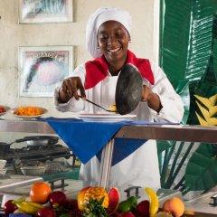 Отель Legends Beach Resort Ямайка, Негрил - отзывы, цены и фото номеров - забронировать отель Legends Beach Resort онлайн питание фото 3