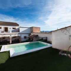 Отель Casa Rural Miel y Romero бассейн