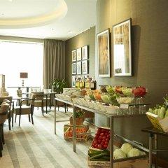 Отель Hilton Sofia Болгария, София - отзывы, цены и фото номеров - забронировать отель Hilton Sofia онлайн питание фото 3