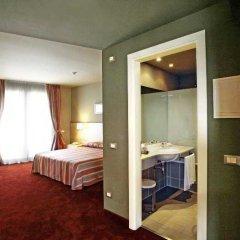 Отель Manerba Del Garda Resort Монига-дель-Гарда комната для гостей фото 2