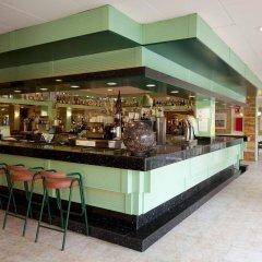 Отель H·TOP Royal Beach Испания, Льорет-де-Мар - 3 отзыва об отеле, цены и фото номеров - забронировать отель H·TOP Royal Beach онлайн гостиничный бар