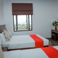 Red Coral Ha Long Hotel сейф в номере