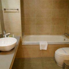 Отель Capital Coast Resort & Spa ванная