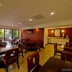 Отель Red Roof Inn PLUS+ Miami Airport питание