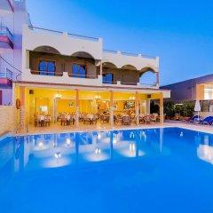 Esmeralda Hotel бассейн