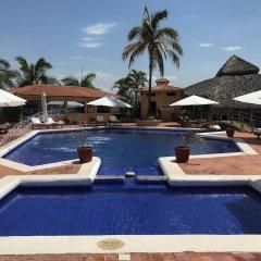 Hotel Plaza Tucanes бассейн фото 3