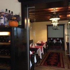 Отель Restaurant Villa Flora Аниф питание