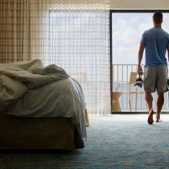 Отель Grand Cayman Marriott Beach Resort Каймановы острова, Севен-Майл-Бич - отзывы, цены и фото номеров - забронировать отель Grand Cayman Marriott Beach Resort онлайн комната для гостей фото 2