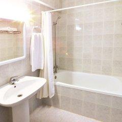 Отель Apartamentos Central City ванная фото 2