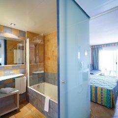 Отель Occidental Cala Vinas ванная