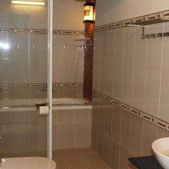 Отель Cam Chau Homestay Вьетнам, Хойан - отзывы, цены и фото номеров - забронировать отель Cam Chau Homestay онлайн ванная фото 3