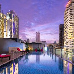 Отель Travelodge Sukhumvit 11 Бангкок бассейн фото 2