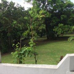Отель San San Tropez Ямайка, Порт Антонио - отзывы, цены и фото номеров - забронировать отель San San Tropez онлайн балкон