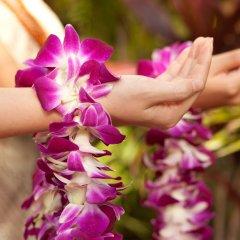 Отель Waikiki Beachcomber by Outrigger спа