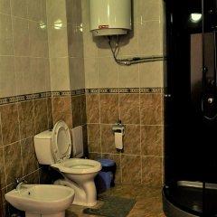 Отель Вилла Отель Бишкек Кыргызстан, Бишкек - отзывы, цены и фото номеров - забронировать отель Вилла Отель Бишкек онлайн ванная фото 2