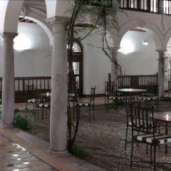 Отель Parador De Granada бассейн