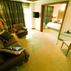 Отель Rodos Park Suites & Spa Греция, Родос - 1 отзыв об отеле, цены и фото номеров - забронировать отель Rodos Park Suites & Spa онлайн комната для гостей фото 2